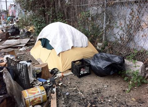 trashy-tent