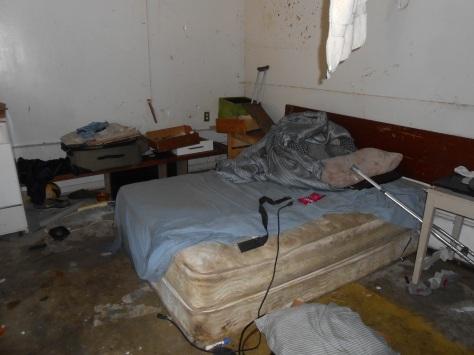 Kaipaka bed and carpet removed