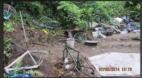 Homeless camp bike Olympia 1 (2)