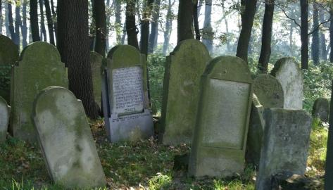 Gravestones old