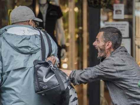 Aggressive beggar pulls